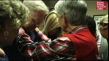 Photo of Video Clip: David Barton Prays For The Holy Spirit To Speak Through New Age Mormon Glenn Beck Before He Speaks For Ted Cruz Rally